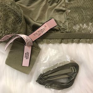 Victoria's Secret Intimates & Sleepwear - Victoria's Secret Bandeau Bralette Large